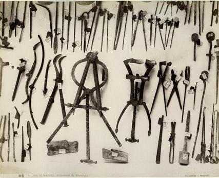 House of the Surgeon - instruments Pompeii