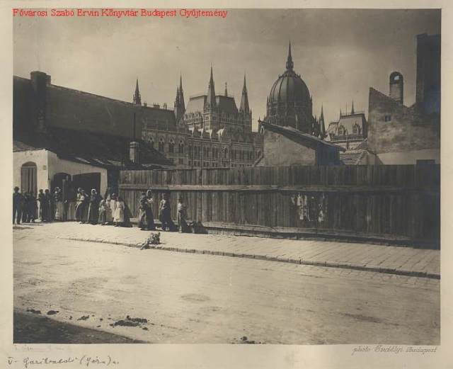 Géza utca 1900-as évek, Erdélyi Mór