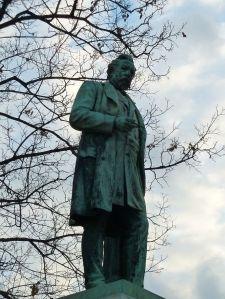 Ybl szobor Várkert kioszk P1100572