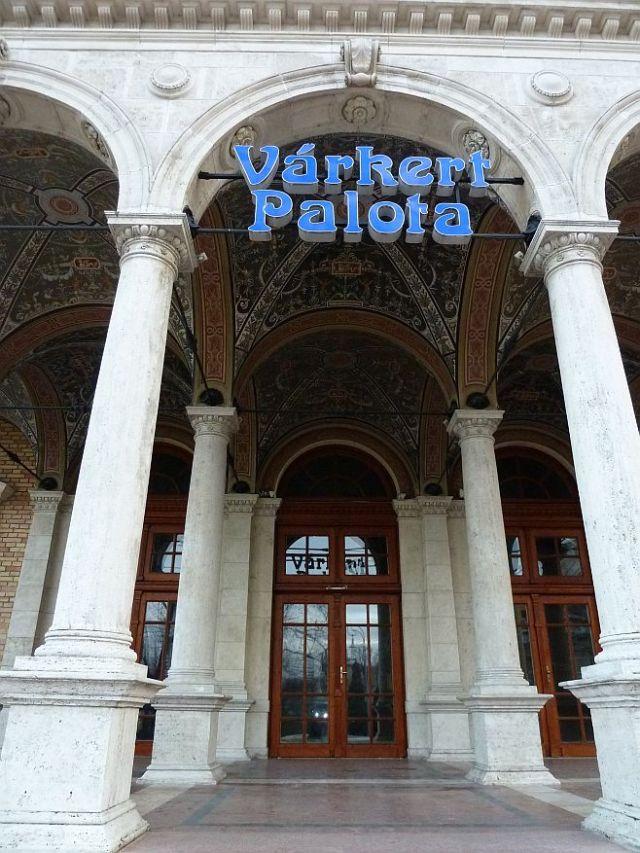 Ybl- Várkert kioszk P1100566