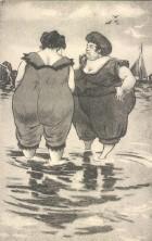 AK-Zwei-dicke-Frauen-in-Badekleidung-stehen-im-Meerwasser
