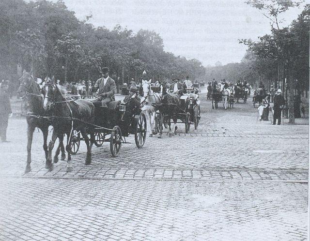 Fiákerek a Stefánián 1910 körül