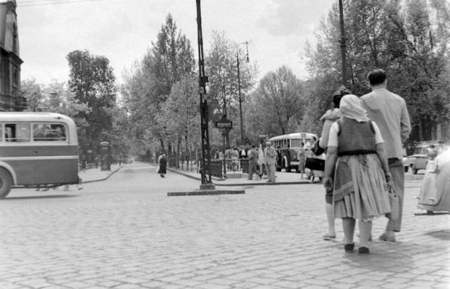 Andrássy út-Hősök tere 1953 k. Fortepan11170
