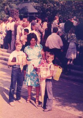 Gergő iskolába megy 1985 0001
