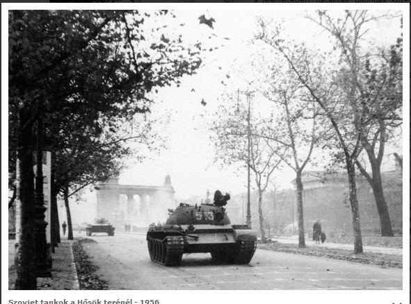 Szovjet tankok a hősök terénél