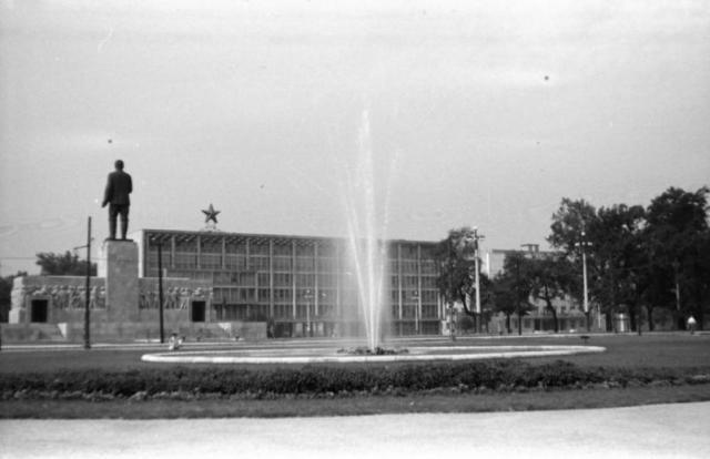 Sztálin szobor, MÉMOSZ székház 1950 k 23857