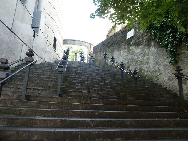 P1360832 lépcső rue d'Italie és F. Hodler sarkán