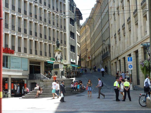 Rue de la Cité P1350245 Rue Basses