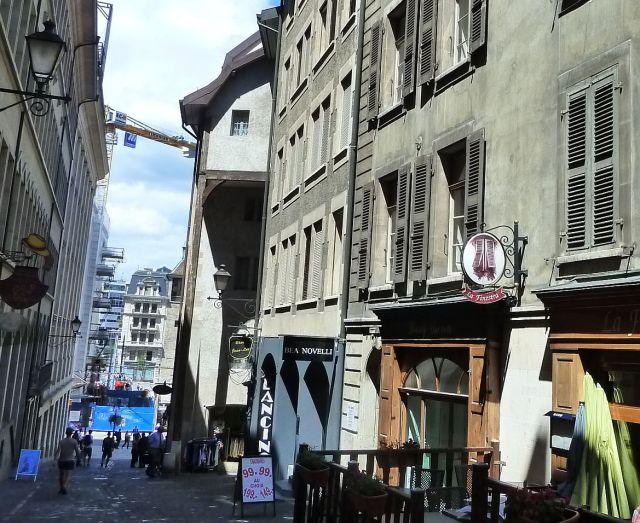 Rue de la Cité P1350267 Rue Basses