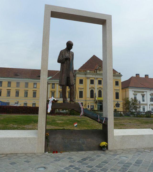 P1400270 Bethlen István szobor