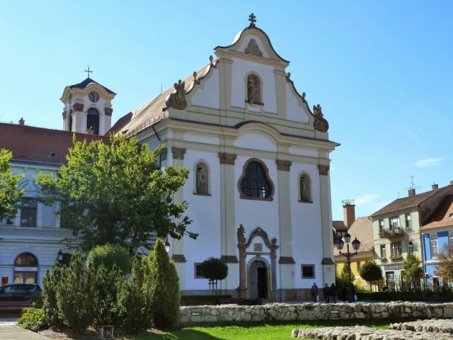 Vác P1380098 Főtér, Fehérek temploma