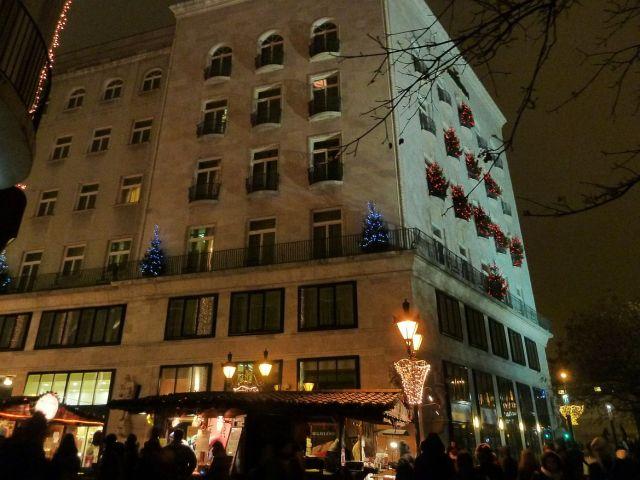 2013 karácsonyi piac, Vörösmarty tér P1420103