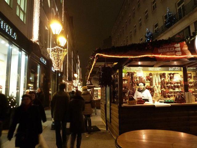 2013 karácsonyi piac, Vörösmarty tér P1420104
