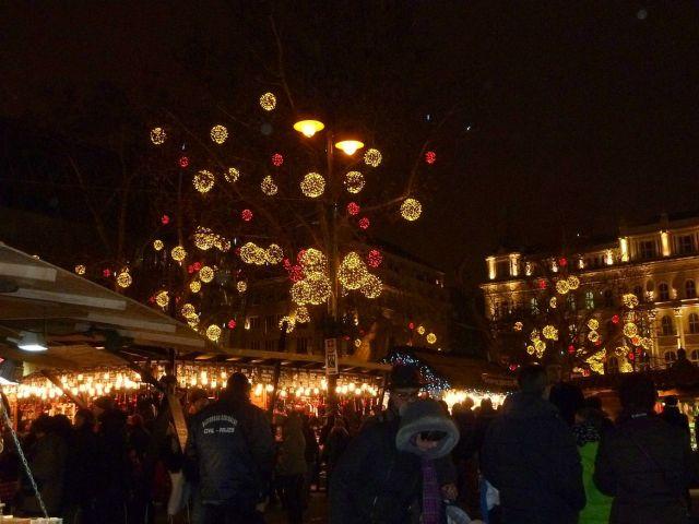 2013 karácsonyi piac, Vörösmarty tér P1420147