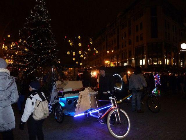 2013 karácsonyi piac, Vörösmarty tér P1420159