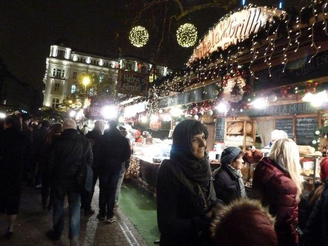 2013 karácsonyi piac, Vörösmarty tér P1420176