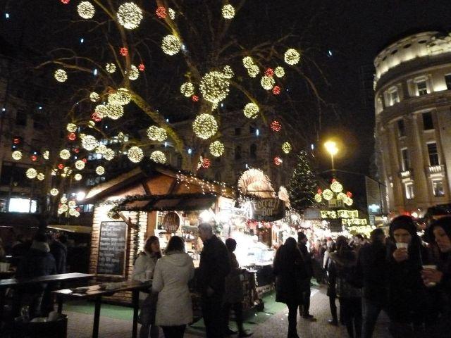 2013 karácsonyi piac, Vörösmarty tér P1420183