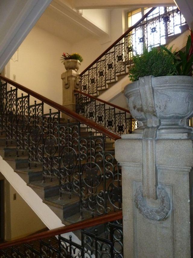Mikszáth tér, PPKE Sophianum P1190489 Ars Sacra 2012, lépcsőház