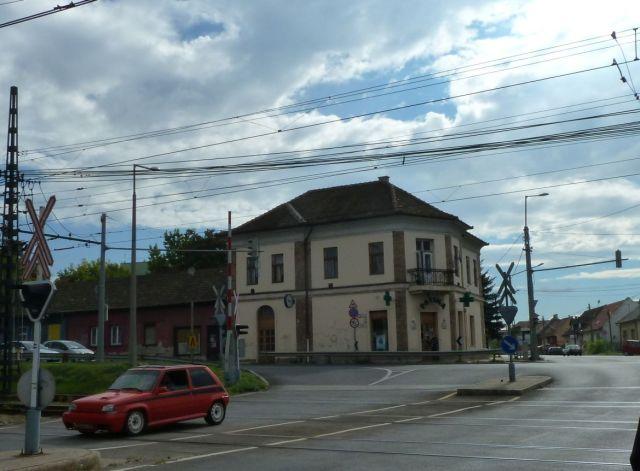 Cinkota P1380562 Patika épülete