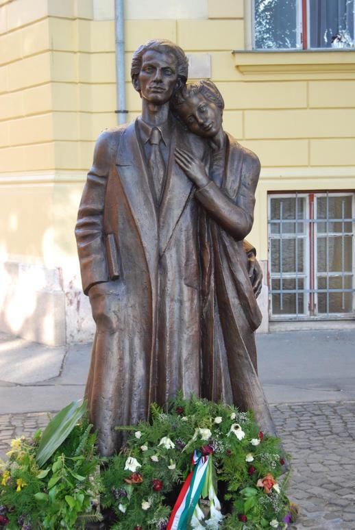 Gyurcsek Ferenc- Radnóti Miklós és felesége Gyarmati Fanni