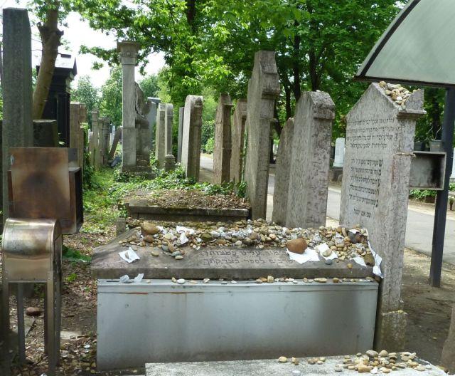 Kozma utcai temető 2014.május P1450263