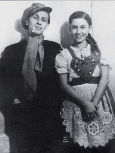 Liliomfi jelmezben 1937