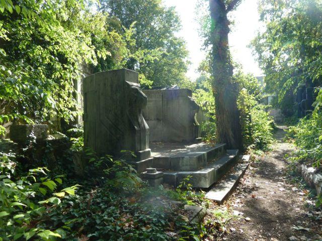 Salgótarján u. Zsidó temető P1400215 2013.10.06. dr.Guttmann és családja 1908