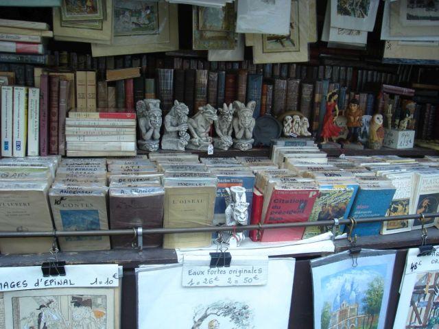 0713 Montebello rakparti antikváriusok