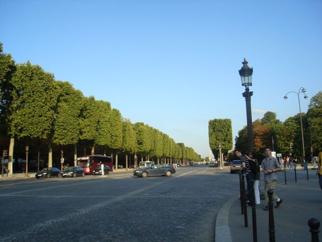0756 Champs Elysees