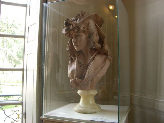 0894 Rodin múzeum Fiatal nő virágos kalapban - Rose Beuret
