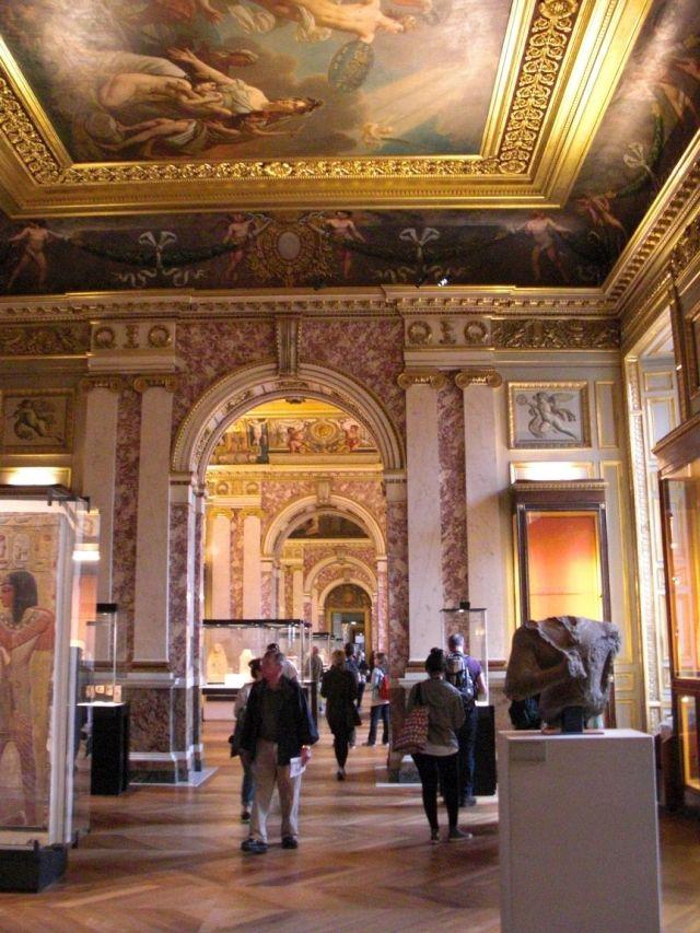 Louvre 105