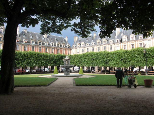 Paris, Vogézek tere 73