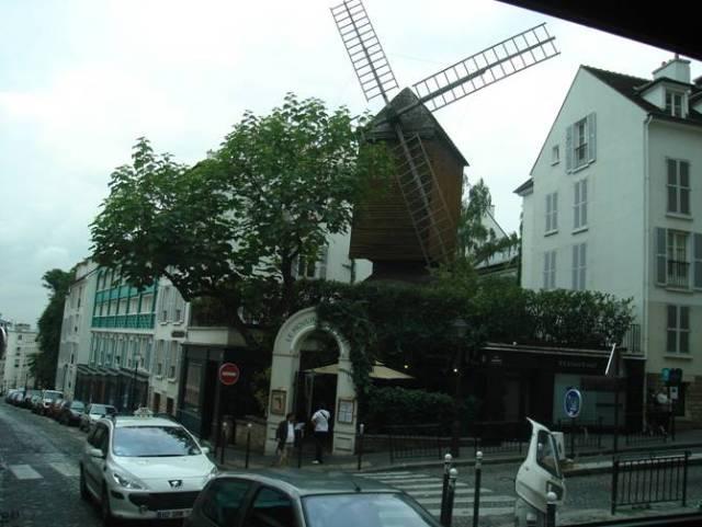 Párizs 3002