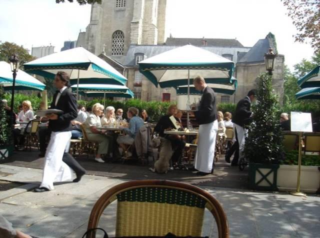 Párizs 329