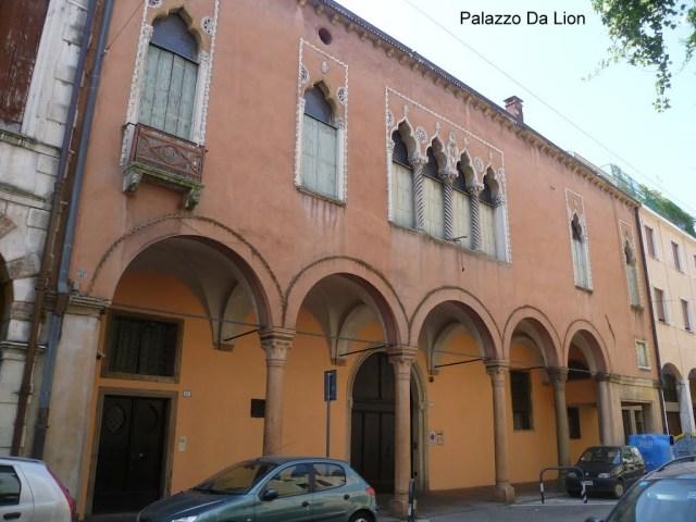 Padova, Palazzo Da Lion, via Vescovado- Gattemelata