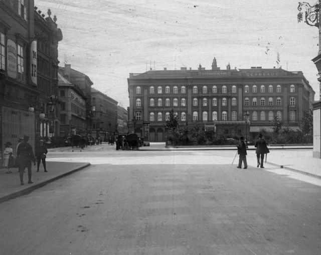 Gizella tér - Gerbaud ház 1902- Fortepan 27643