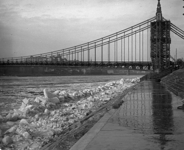 1903 jézajlás- épülő híd, Forrás:Fortepan 27660