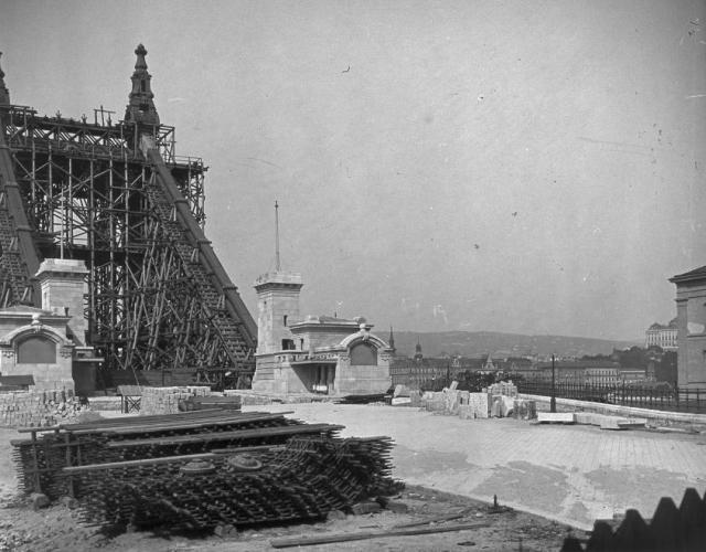 27682- Erzsébet híd építés , pesti hídfő