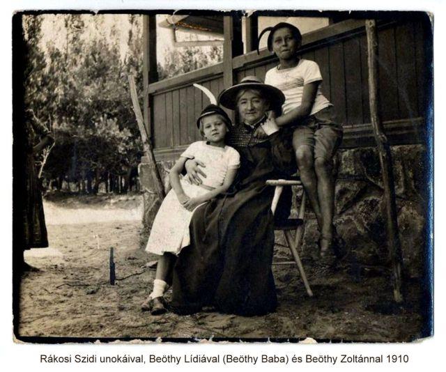 Rákosi Szidi unokáival, Beöthy Lídiával [Beöthy Baba] és Beöthy Zoltánnal 1910