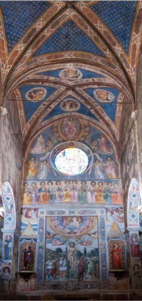 Duomo_di_San_Giminango_ homlokzati fal belső