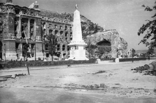 1945 Szt Gellért tér 5823