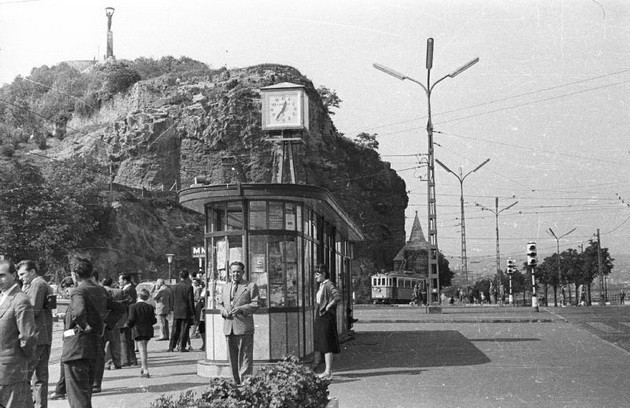 1950-60 Gellért tér villamos megálló , fortepan