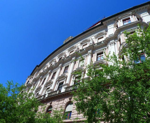 Bp100 a Nagykőrúton P1590611 Nyugati tér 5.
