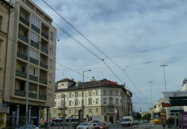 Bp 100 a Nagykőrúton P1600755 Ferenc krt. - Üllői u sarok