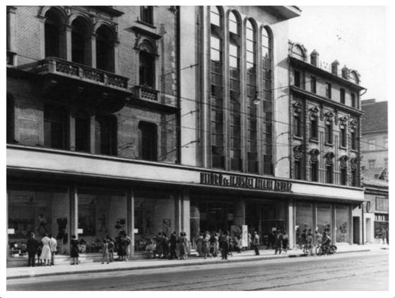 Úttörő áruház_ Kossuth L. u. 9. -egykor.hu