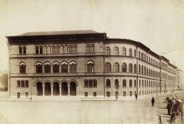 Felső Ipariskola- Népszínház u sarok -1889k. Klösz