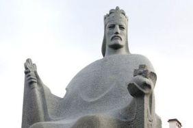 statue-of-king-mindaugas-in-vilnius-71738758, delfi.lt