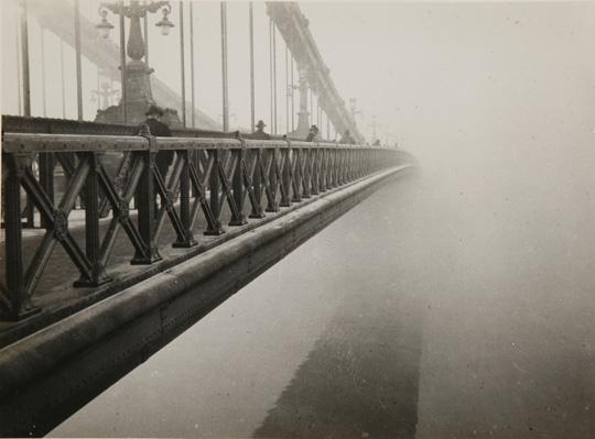 Kinszki Imre- Köd , 1930 (Erzsébet híd)