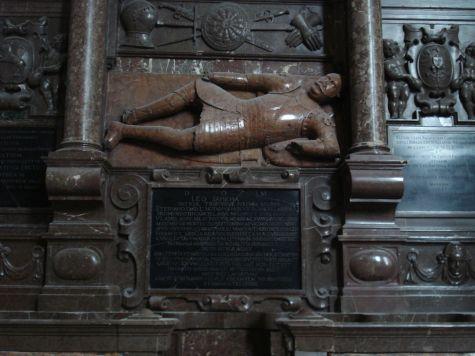 churchstmichaelvilnius7-leon-sapieha-tomb