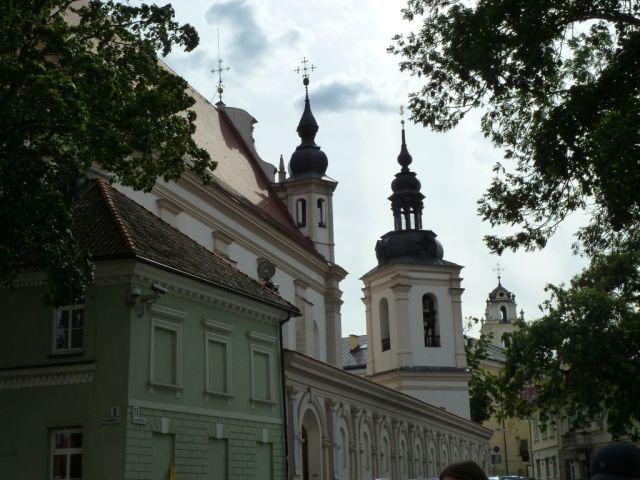 vilnius-p1630023-tornyok-szent-mihaly-es-egyetemi-templom